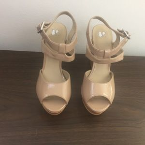 I- NORDSTROM BP womens size 6.5 tan wedges